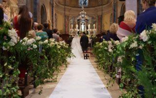 composizioni floreali per allestire chiesa