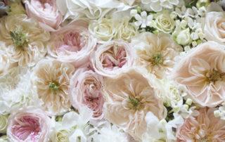 composizione fiori rosa per matrimonio