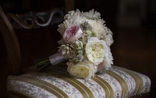 mazzo di fiori per sposa